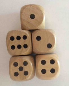 Set of 5 wooden dice
