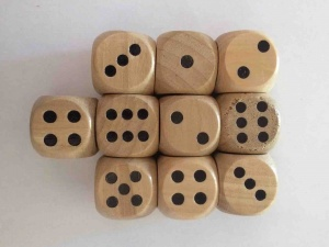 Set of 10 wooden dice
